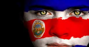 volto-bimbo-con-bandiera-costa-rica