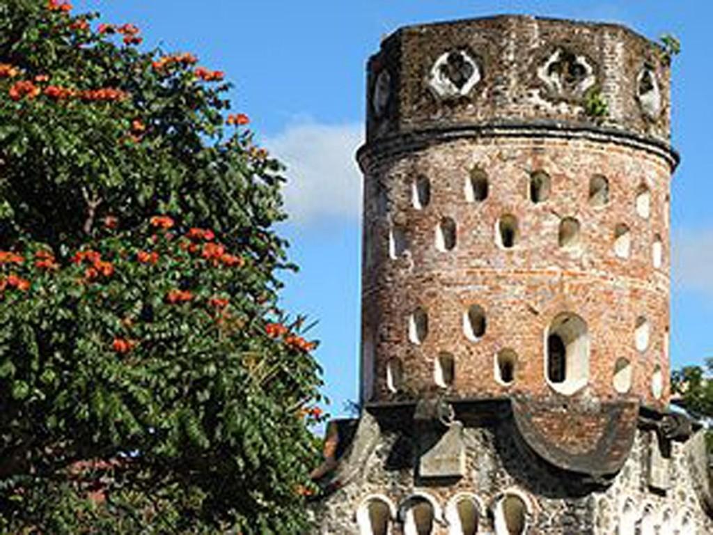 torre-heredia-città-dei-fiori-costa-rica