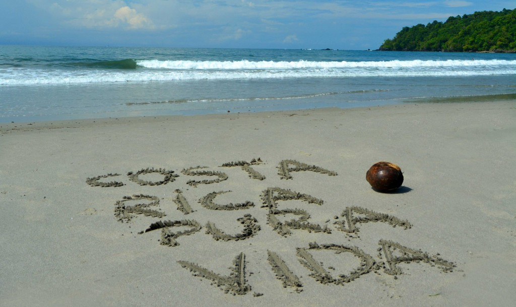 scritta-pura-vida-spiaggia-costa-rica