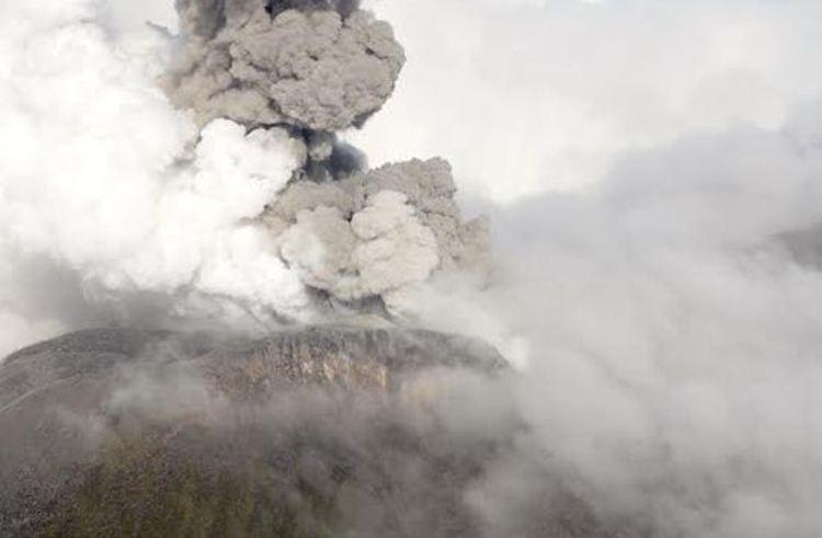 Volcan_Turrialba-erupcion-costa-rica