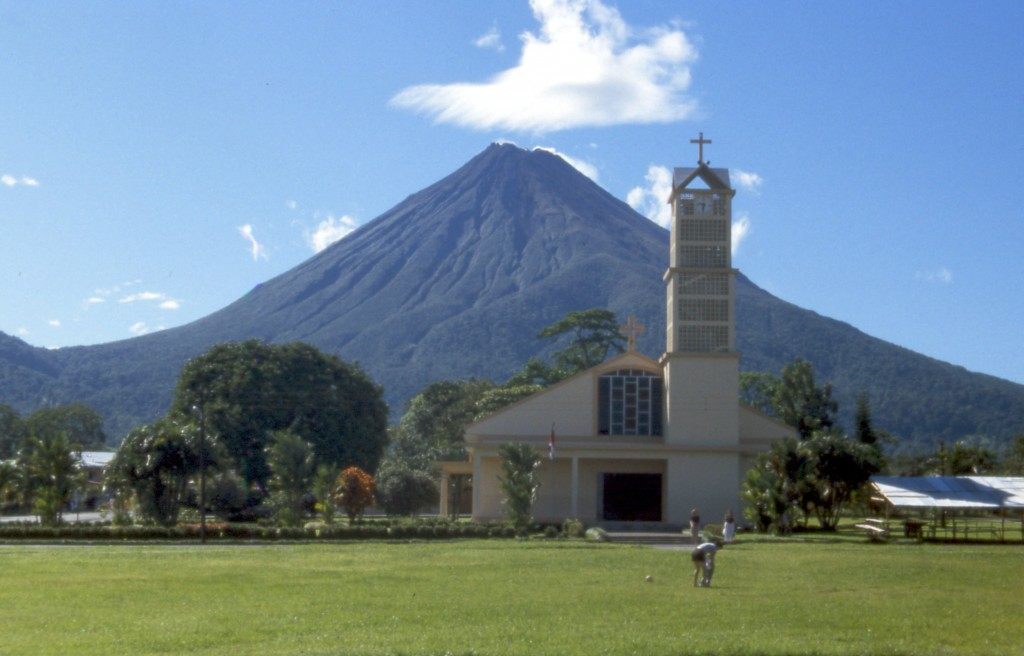 chiesa-Costa_rica_arenal_fortuna_