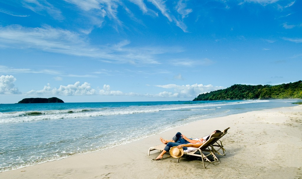 sdraio-sulla-spiaggia-costa-rica-la-vacanza-della-vita