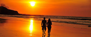 innamorati-tramonto -tamarindo-costa-ricajpg