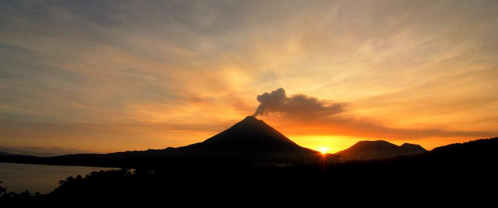 tramonto-vulcano-costa-ricajpg