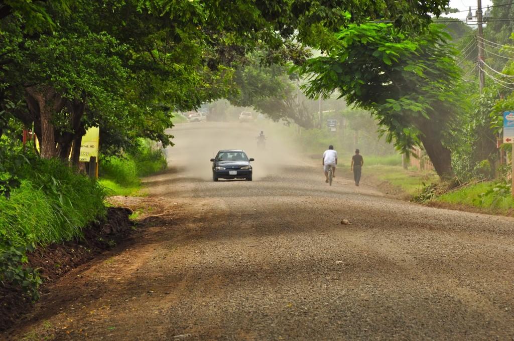 strada-fatta-con-melassa-in-costaricaJPG